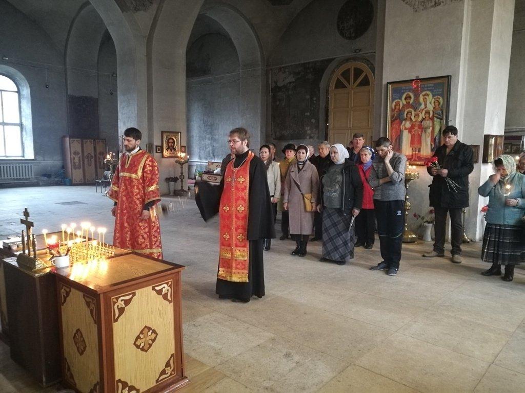 26 апреля в Иерусалимском храме города Бронницы состоялась панихида о упокоении погибших при устранении последствий Чернобыльской аварии спасателей